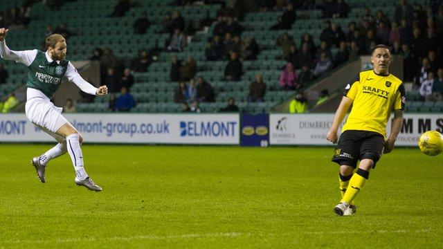 Martin Boyle cracks in the winning goal for Hibernian