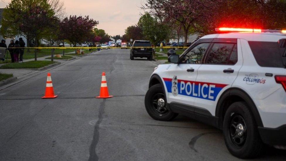 США: полицейский застрелил 16-летнюю темнокожую девушку