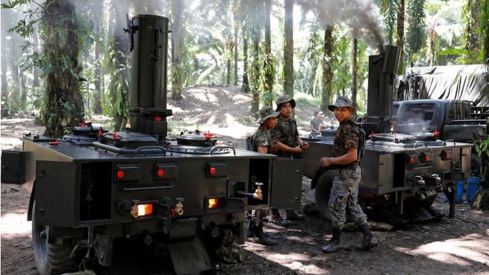 Soldados en El Estor