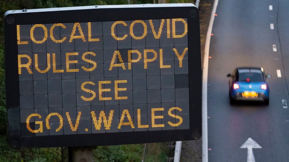 People in Covid hotspots in England face being BANNED from Wales