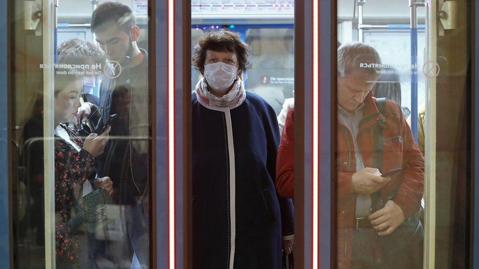 Коронавирус в России: число новых случаев растет и в стране, и в Москве