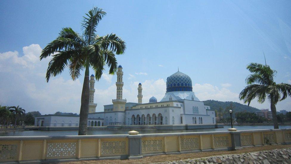 The City Mosque, Kota Kinabalu, Sabah, Borneo, Malaysia, in 2010.