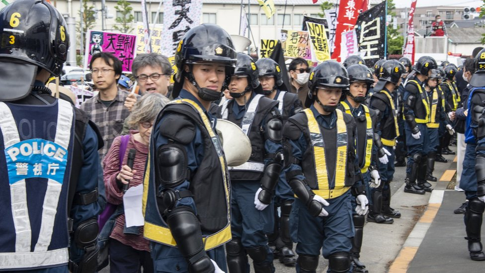 Hantenren protesters