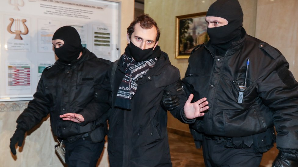 Масштабные обыски у оппозиции в Москве. Задержан брат Навального и еще три человека