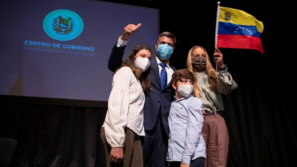 Leopoldo López junto a su familia.