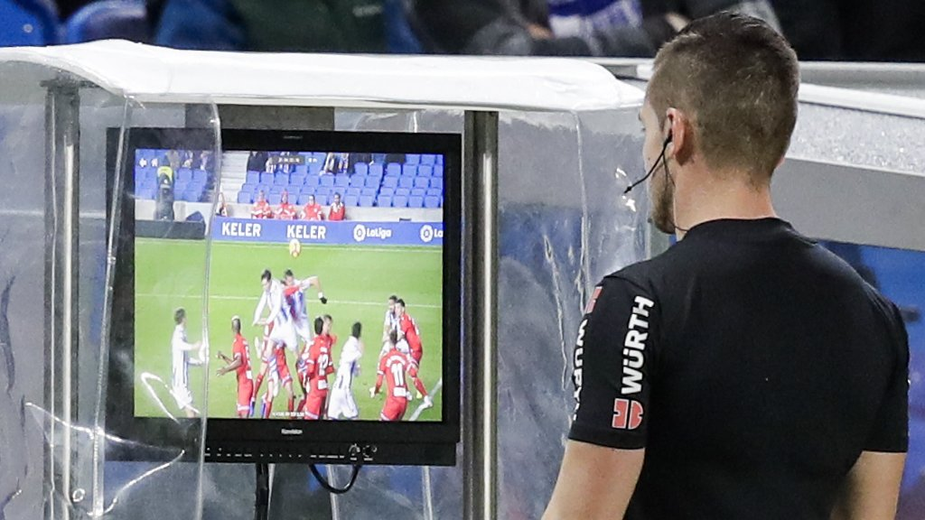 VAR: Scottish football's referees and managers back its introduction after summit