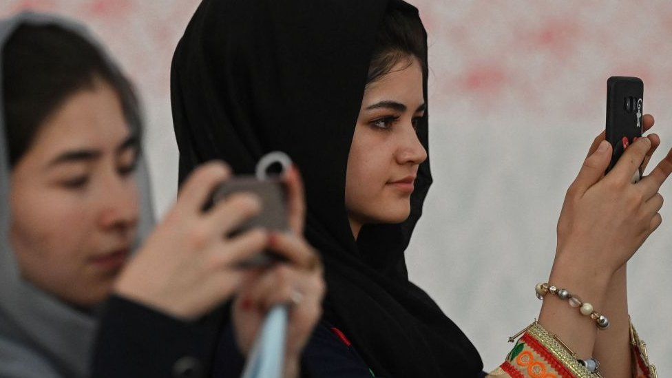 Jóvenes afganas.