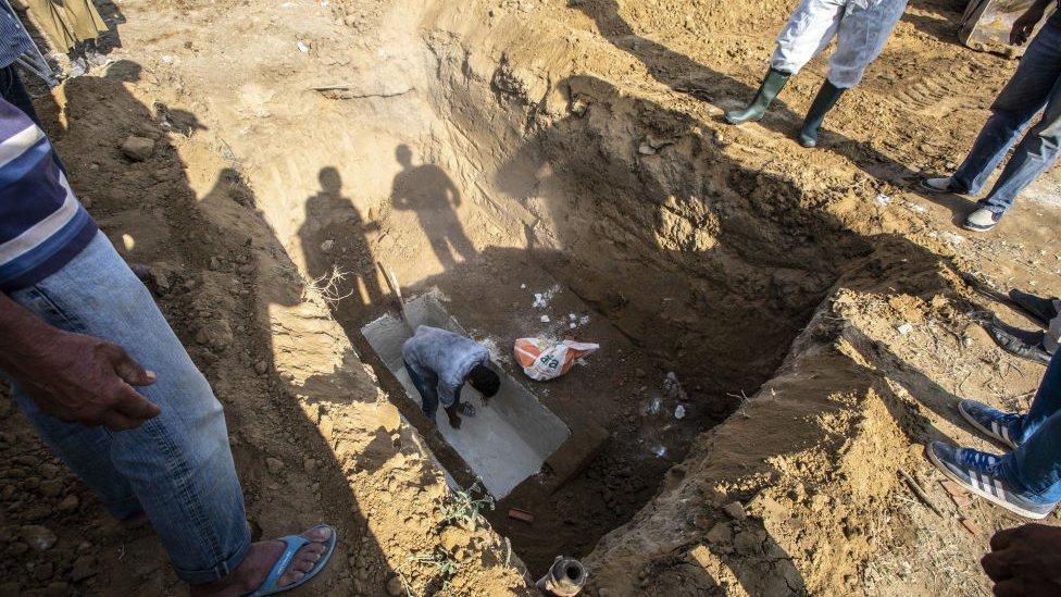 Enterramiento en Túnez.