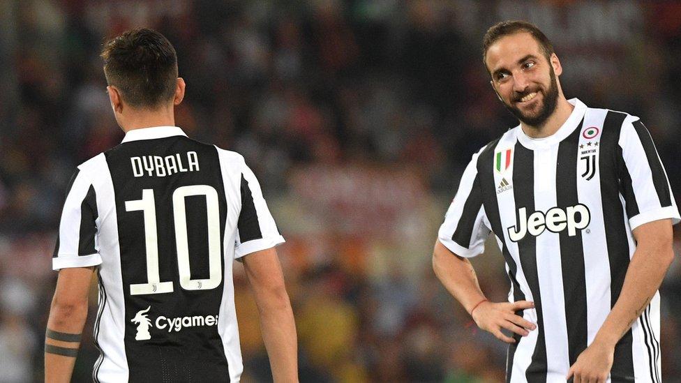 Muchos jugadores argentinos militan en el futbol italiano.