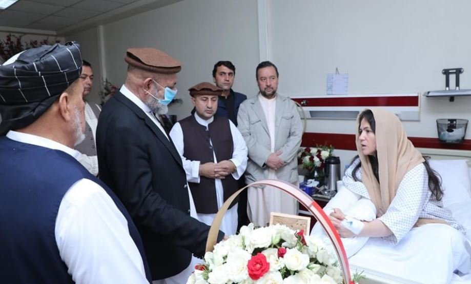 Fawzia Koofi being greeted by others