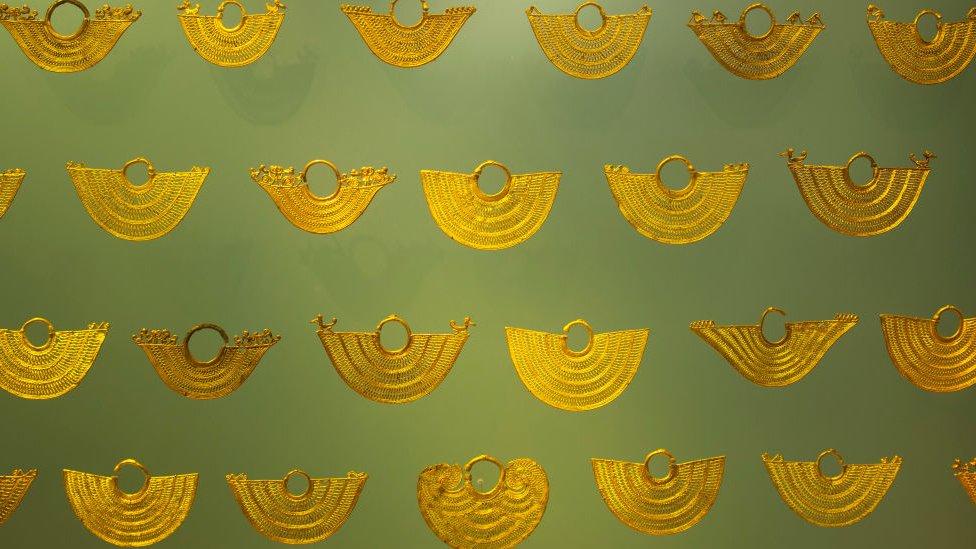 Adornos de oro zenú en el Museo de Oro de Colombia