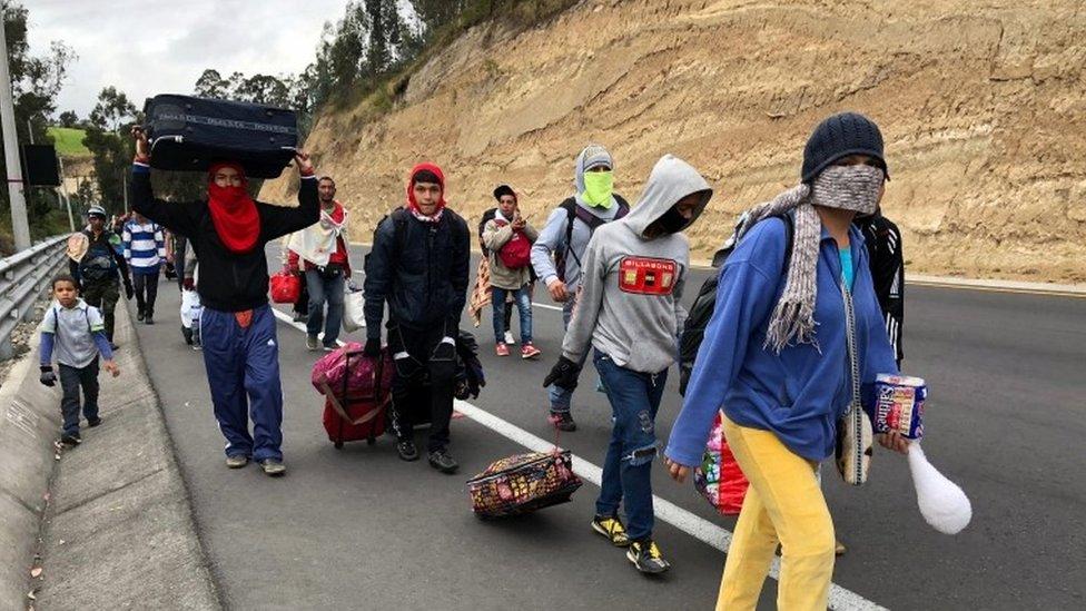 Venezolanos migrando.
