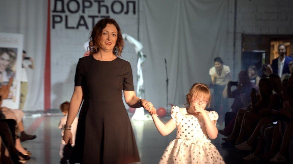 Marija sa ćerkom Teodorom na Teodorinoj prvoj modnoj reviji
