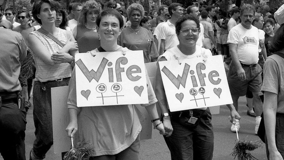 Pogled na homoseksualnost se menja na Zapadu - i možda je otvorio put otvorenijoj raspravi o seksu uopšte