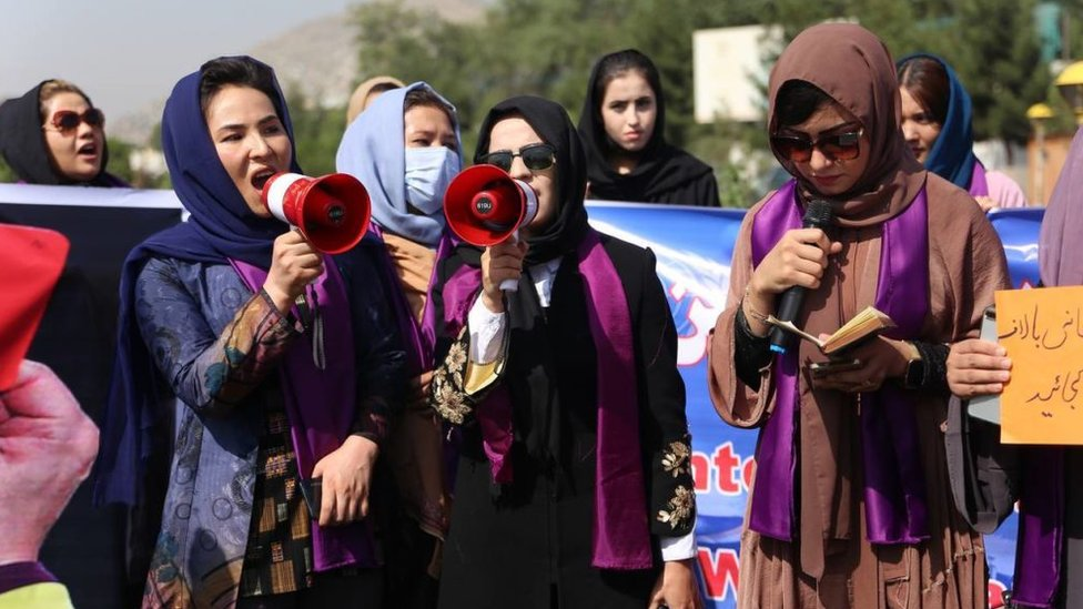 Women demonstrate for rights under the Taliban in Kabul, 4 September 2021