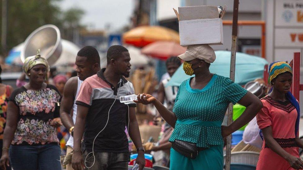 سوق في أكرا في غانا