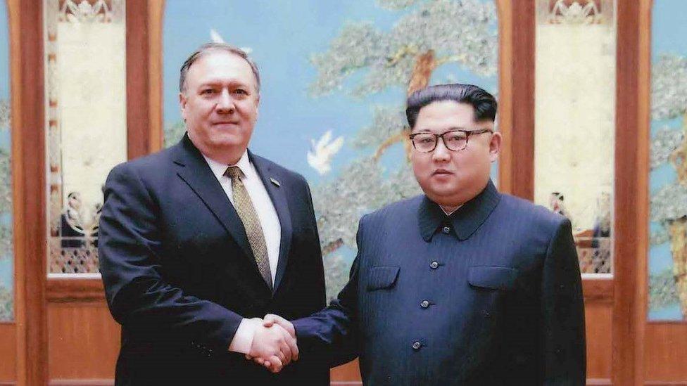 今年4月,蓬佩奧以中央情報局局長的身份,秘密前往平壤會見朝鮮領導人金正恩。