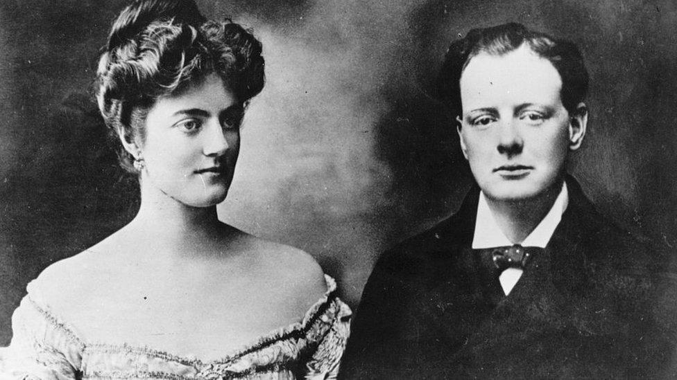Winston Churchill y Clementine Hozier en 1908.