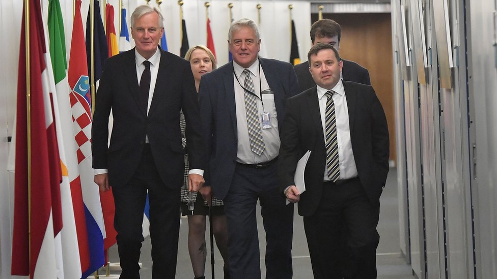 Michel Barnier with UUP members