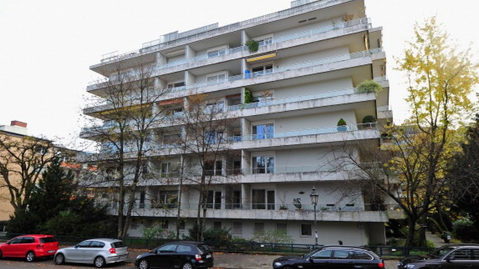 An exterior view of the apartment buildings in Munich containing the residence of Cornelius Gurlitt (04 November 2013)