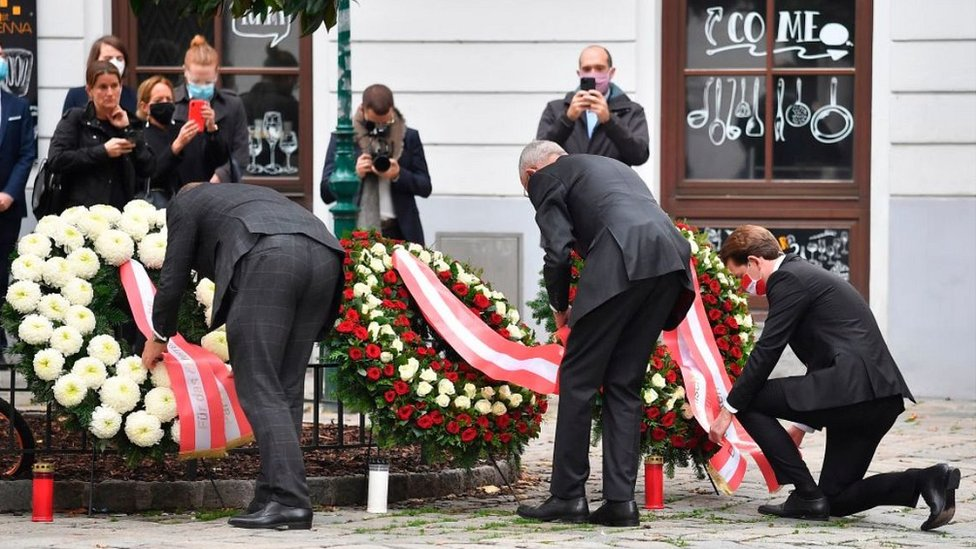 Wreath-laying, 3 Nov 20