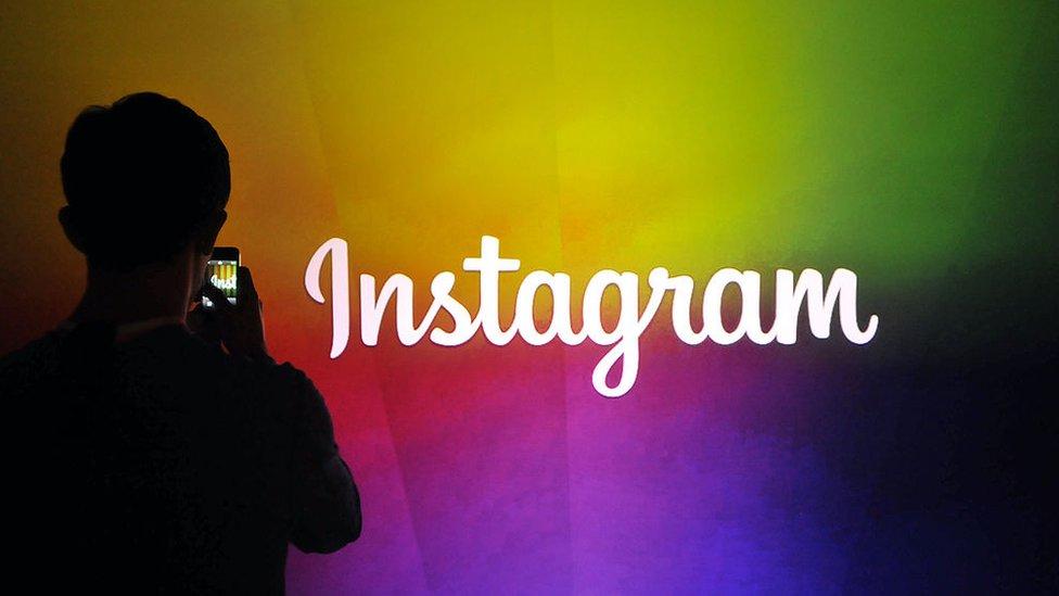 Cartel de Instagram.