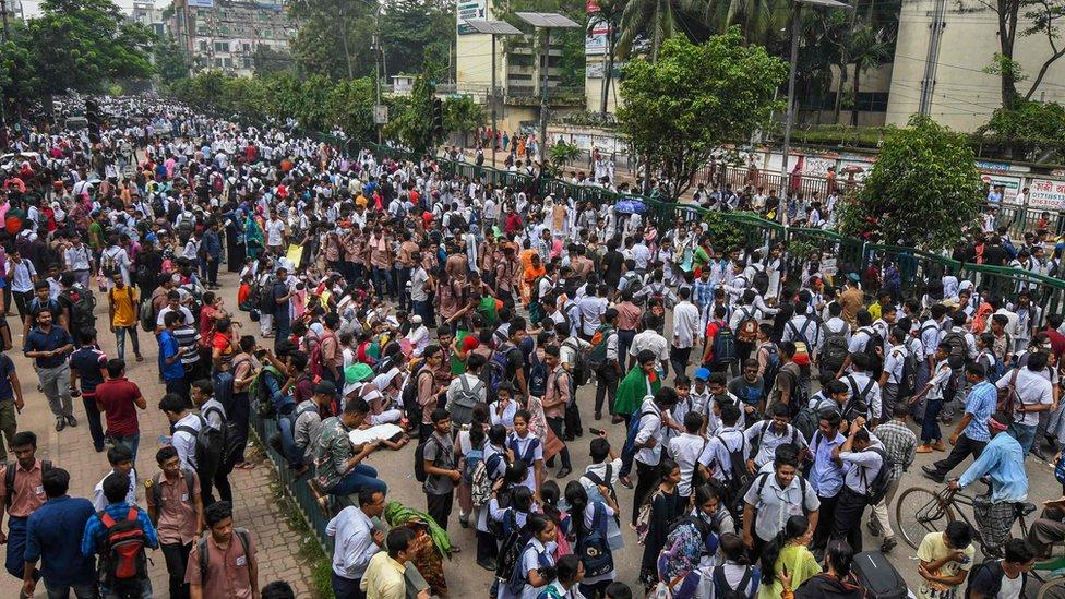 Students block road in Dhaka - 4 August