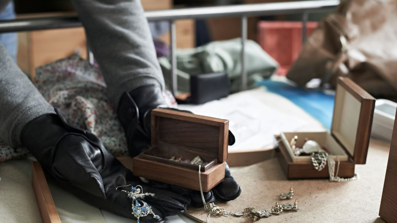 Burglary gang targeting homes for jewellery and cash