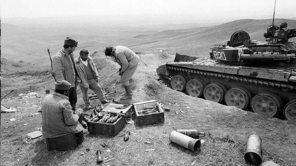 阿塞拜疆的納戈爾諾-卡拉巴赫地區的分離主義在1990年代初導致武裝衝突