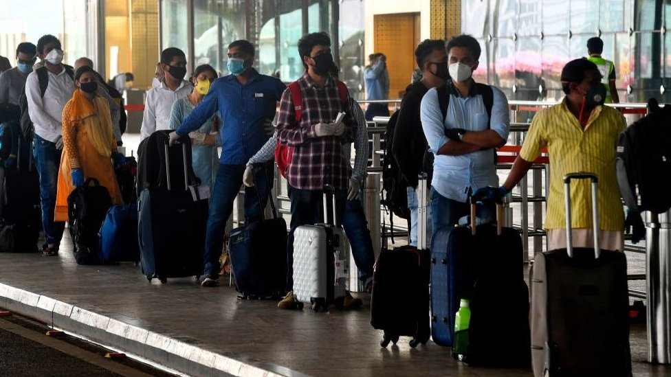 India Coronavirus Chaos At Airports As Domestic Flights Resume Bbc News
