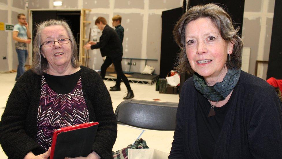 Nora Jones a Gaynor Elis-Williams
