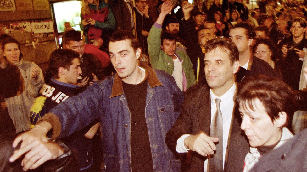 Predsednik SRJ Vojislav Koštunica na putu ka Narodnoj Skupštini 5. oktobra 2000.