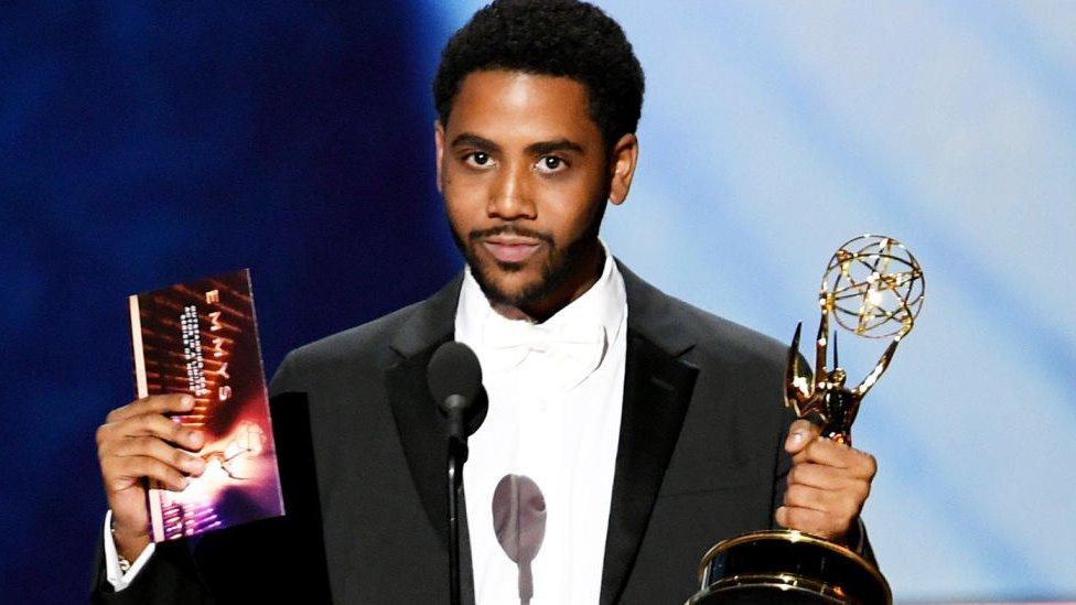 """Jharrel Jerome ganó su primer Emmy como protagonista en una miniserie por su estremecedora interpretación en """"When They See Us""""."""