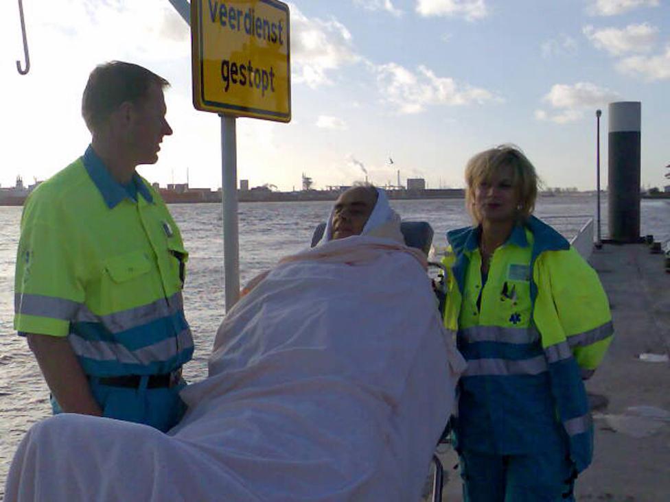 Kees Veldboer Mario Stefanutto and Veldboer's colleague Linda by the Vlaardingen canal