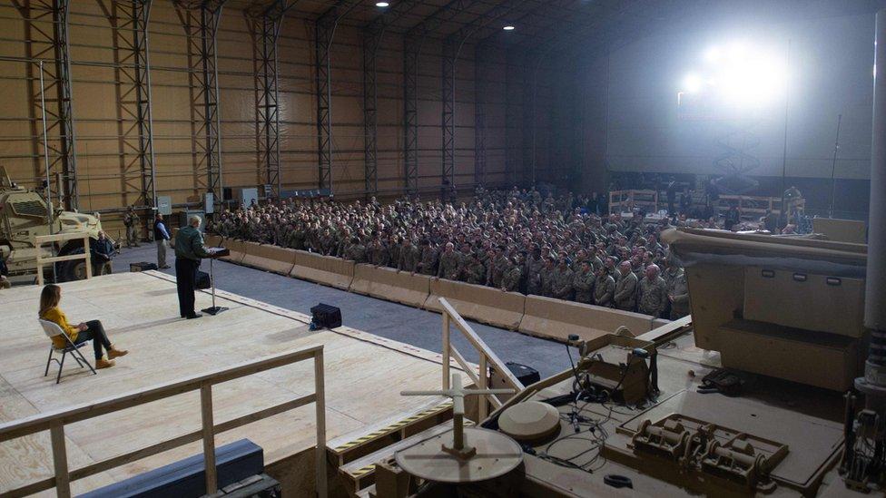Tramp sa vojnicima u Iraku