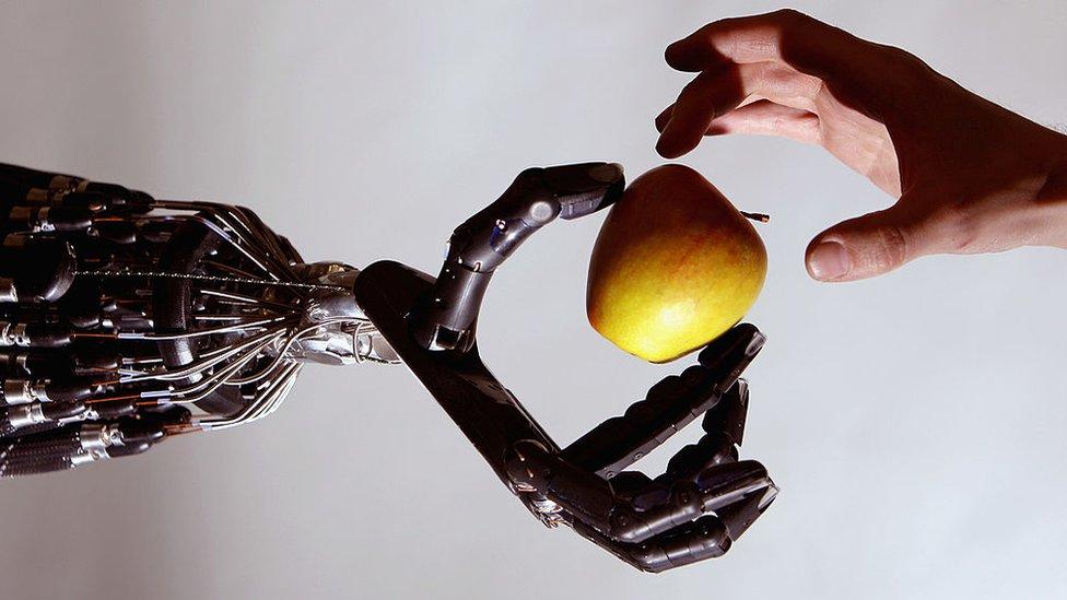 زراع روبوتية