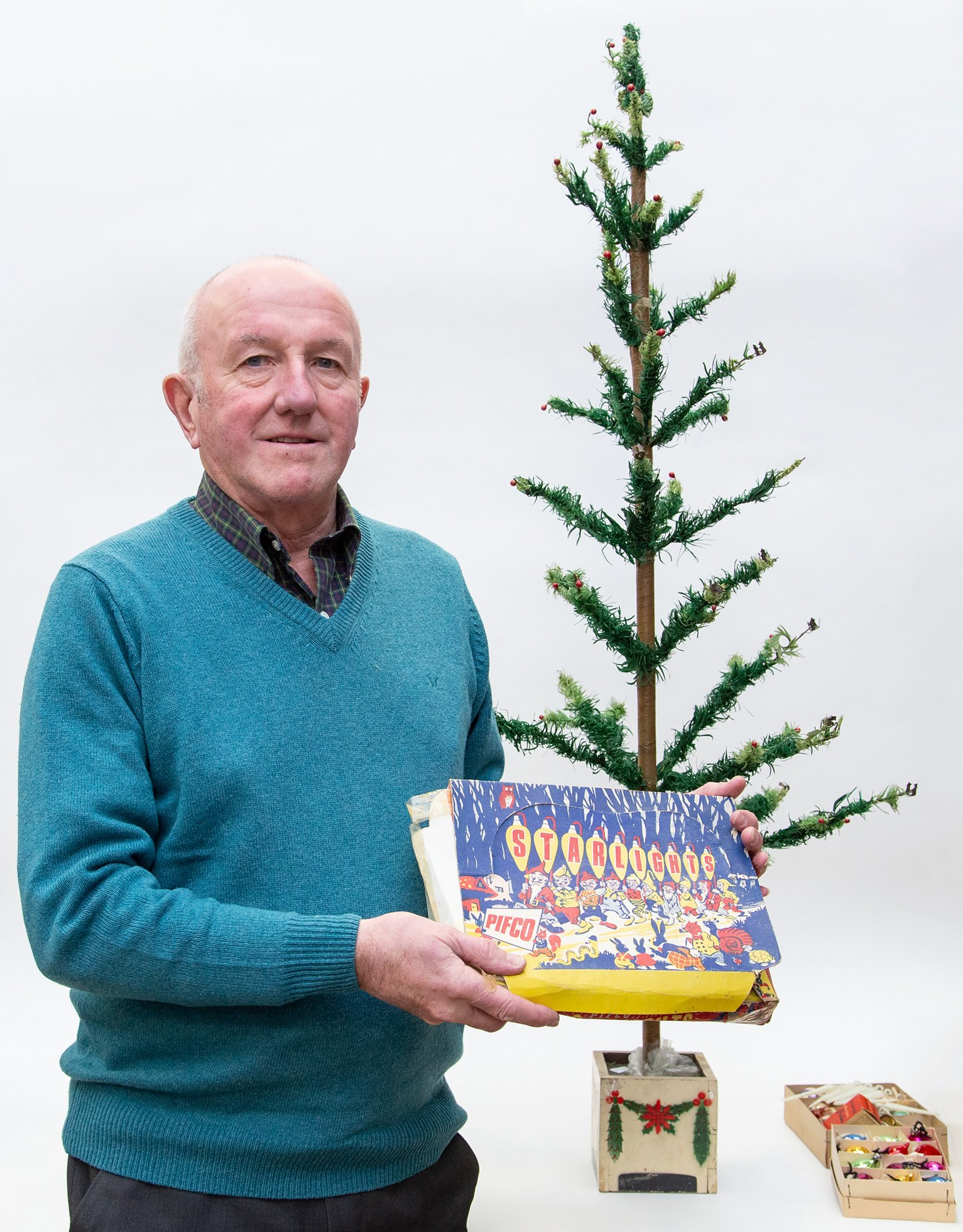 Vintage 1930s Woolworths Christmas Tree Auctioned Bbc News