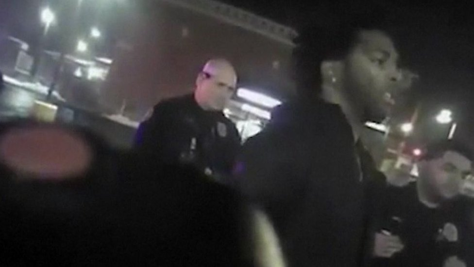 Police chief apologises after video shows officers using stun-gun on NBA star Brown