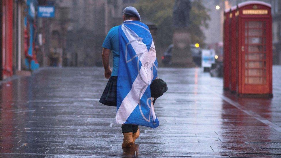 Сепаратисты выиграли выборы в Шотландии и хотят судиться с Лондоном за референдум