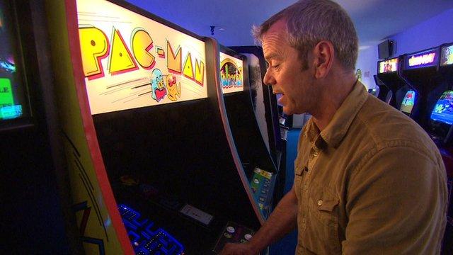 Simon O'Brien playing PacMan
