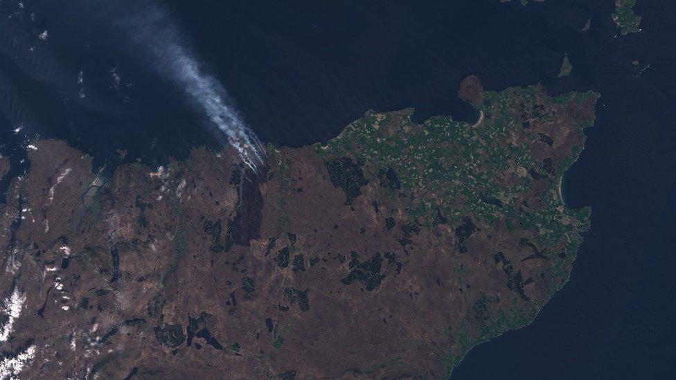 Natural colour satellite image Caithness Fire 160519 - Sentinel Hub .jpg