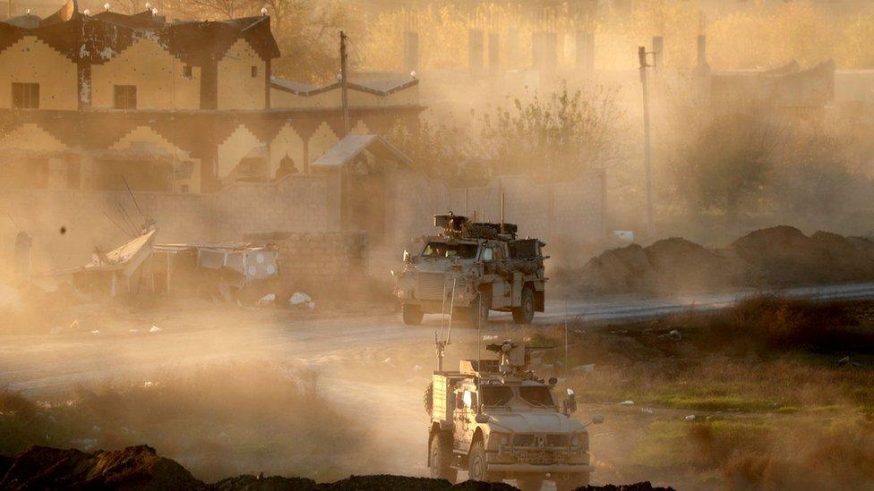 Tropas kurdas entrando a Hajin