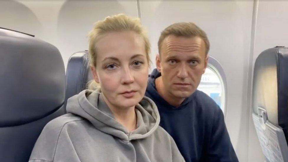 Фото: как провожали Навального в Берлине и кто его ждал в Москве
