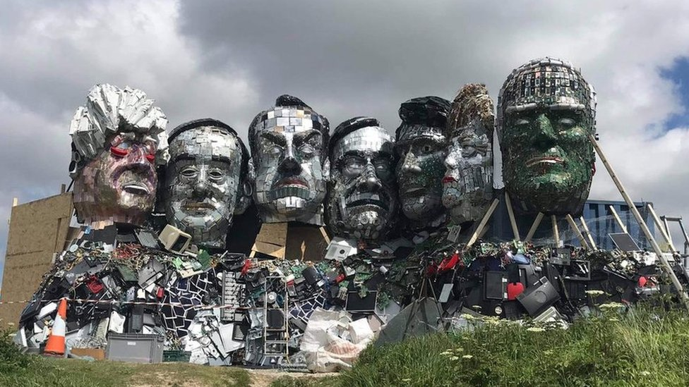 用廢電器組成的七國峰會領導人