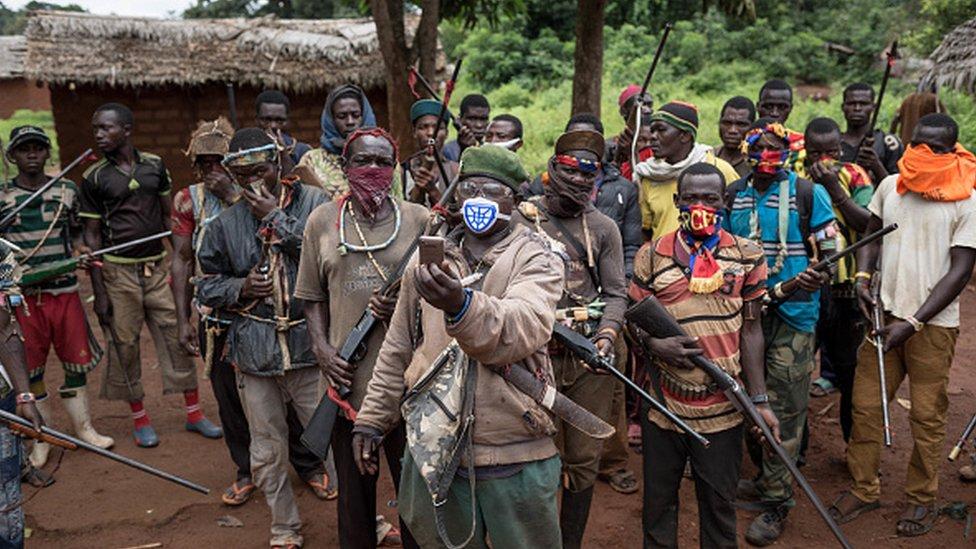 Lutadores anti-Balaka retratados em 2017