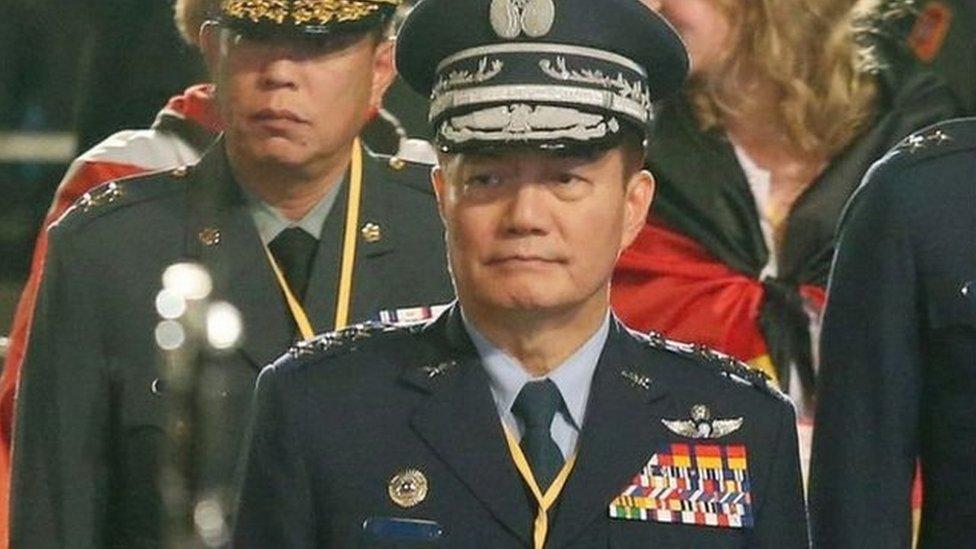 罹難者中的參謀總長、空軍二級上將沈一鳴,曾經擔任台灣國防部副部長、空軍司令、國防部常務次長、副參謀總長、空軍作戰指揮部指揮官等職務。