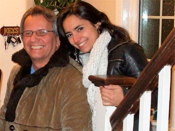 Fernando junto a María