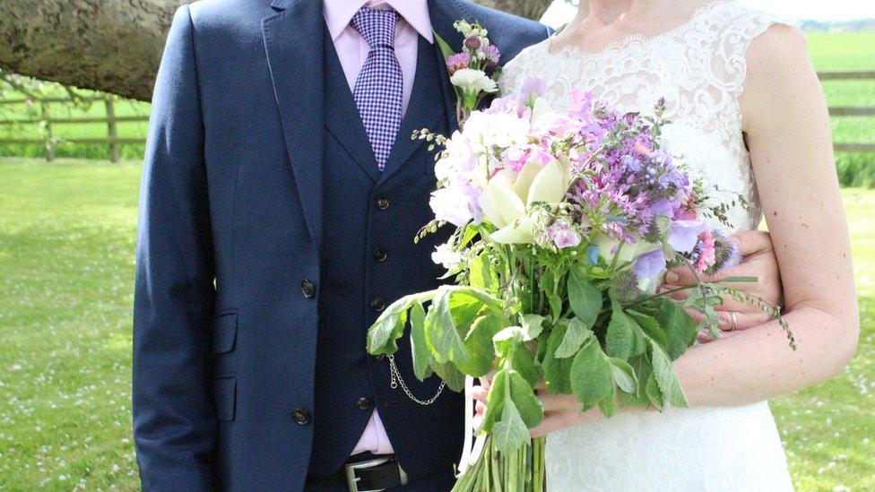venčanje mladenci bračni par mlada i mladoženja