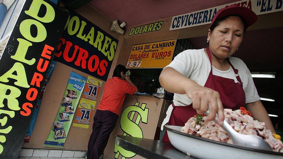 Trabajadores peruanos