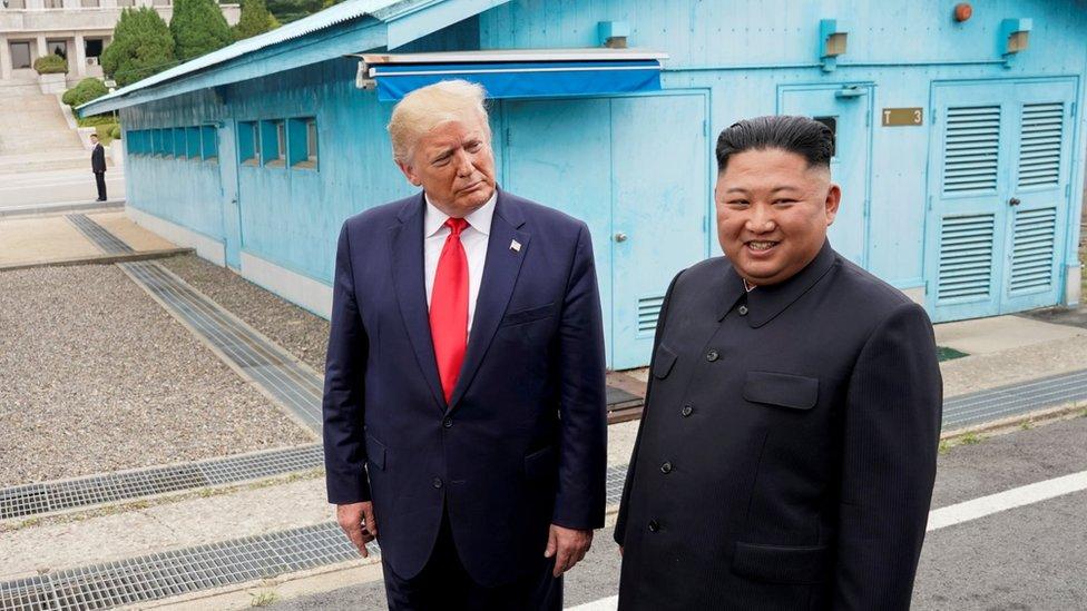 Donald Trump y Kim Jong-un en la Zona Desmilitarizada en la frontera entre las Coreas.